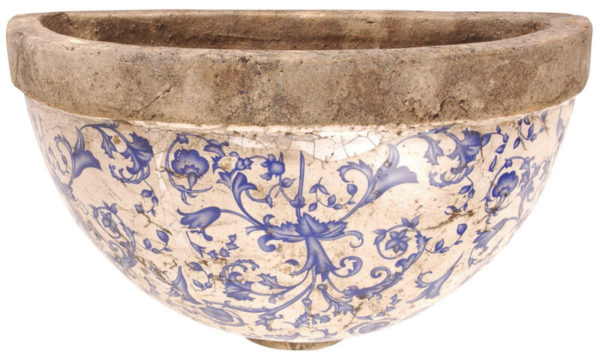 Väggampel i målad keramik