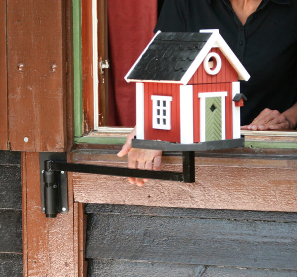 Svängarm för fönstermontering