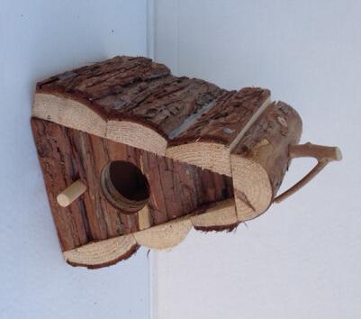 Fågelholk - Hytte med bark